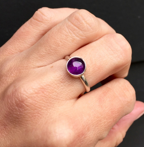 Minimalist Simple Solitaire Amethyst 8mm Round Birthstone Ring in Sterling Silver