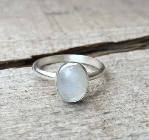 Minimalist Elegant Solitaire Oval Moonstone Birthstone Ring in Sterling Silver | Moonstone Ring | Solitaire Ring | Boho | Moon Ring | Rocker