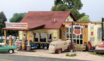 Woodland Scenics Sonny's Super Service HO scale Pre-Fab building kit
