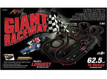 AFX Giant Raceway HO scale slot car set box 22020