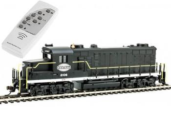 Mantua EMD GP20 New York Central 2106 HO scale diesel locomotive (DCC with Sound)