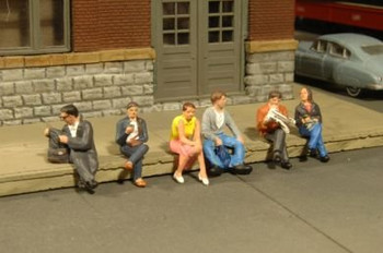 Bachmann Scene Scapes six seated platform passengers HO scale figures 33111
