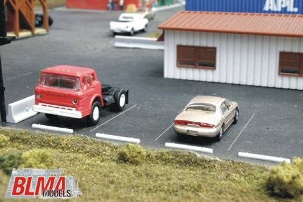 BLMA HO scale concrete automobile car stops