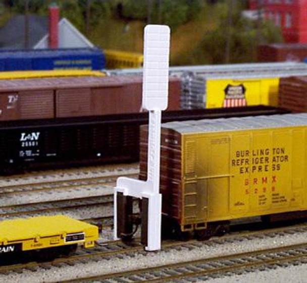 Rix HO scale uncoupling tool for magnetically actuated couplers