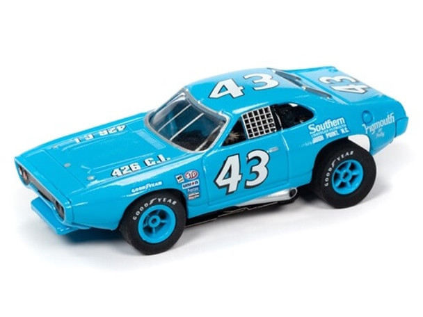 Auto World X-Traction 1971 Plymouth Road Runner Richard Petty HO slot car