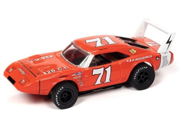Auto World X-Traction 1969 Dodge Daytona Bobby Isaac HO slot car