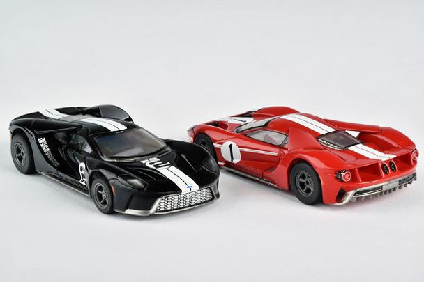 Zero to 60mph in 3.0 seconds; more than 1g cornering power and a top speed of 216mph --That is the Ford GT. And now you can own it and drive it in this new Super Cars set from AFX.
