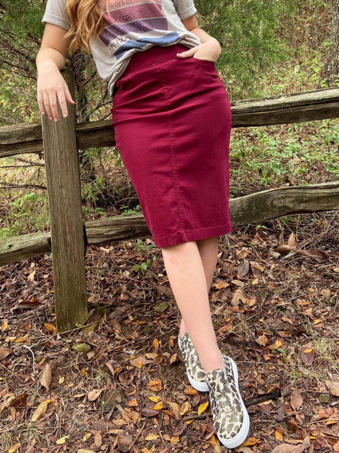 Colored Denim Elastic Waist Skirt *Burgundy*
