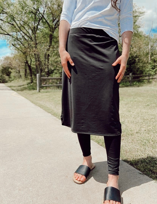 Athletic Skirt With Ankle Leggings *Black*