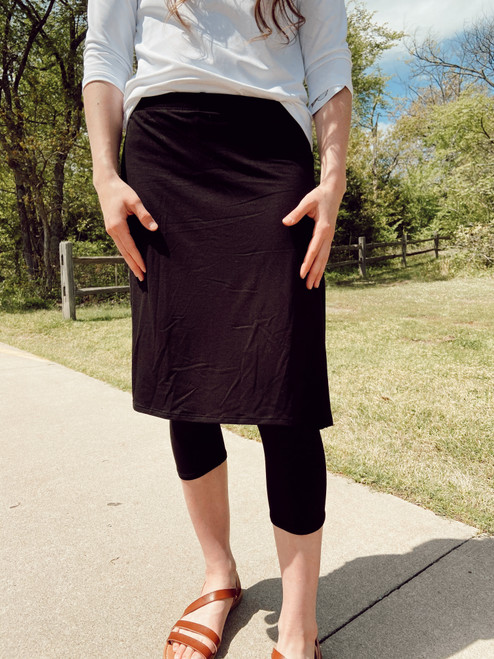 Athletic Soft Knit Skirt With Leggings *Black*