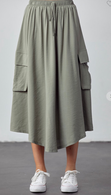 Casual & Chic Skirt *Sage*