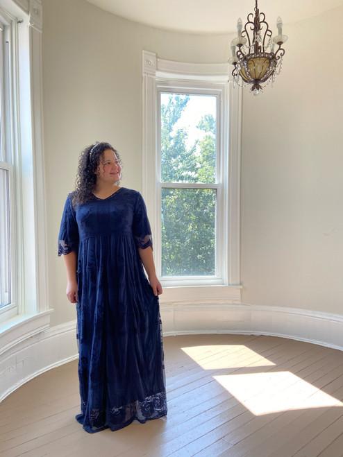 Victoria Lace Dress *Navy*