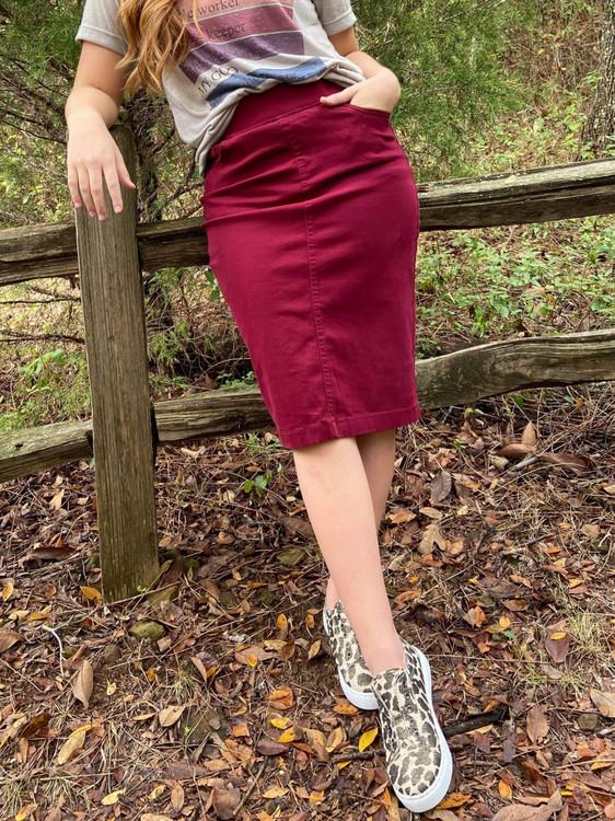 Colored Denim Elastic Waist Skirt *Burgundy*