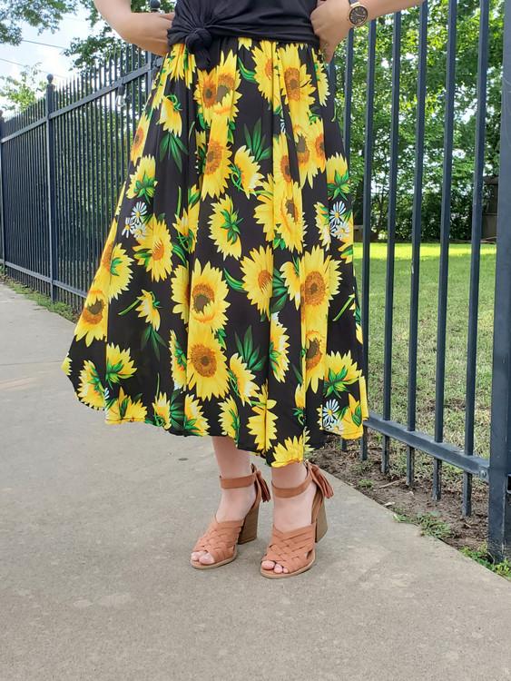 Sunflower Fields Skirt in Black