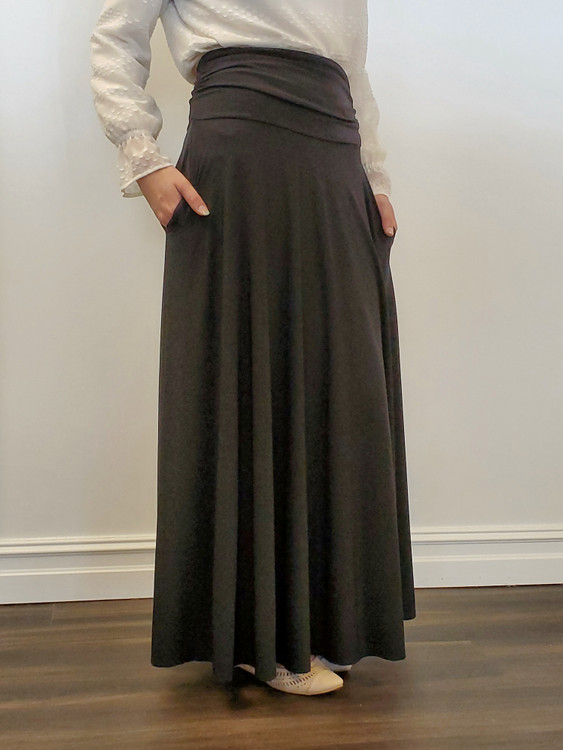 Elizabeth Full Modest Maxi Skirt in Black