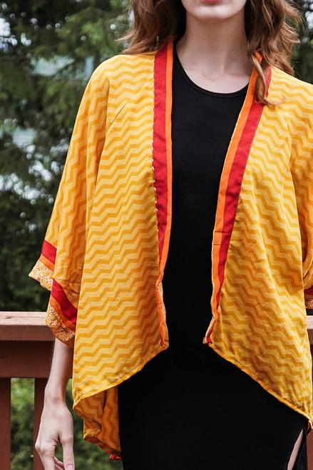 ASHKA Silk Kimono Shrug in Golden Vibrations(One Size)