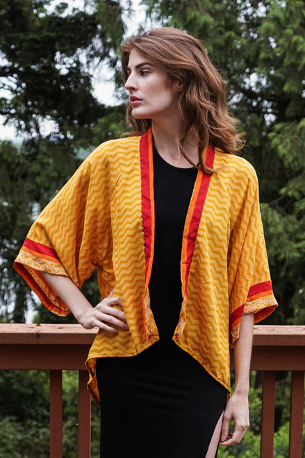 ASHKA Silk Kimono Shrug in Golden Vibrations(One Size)