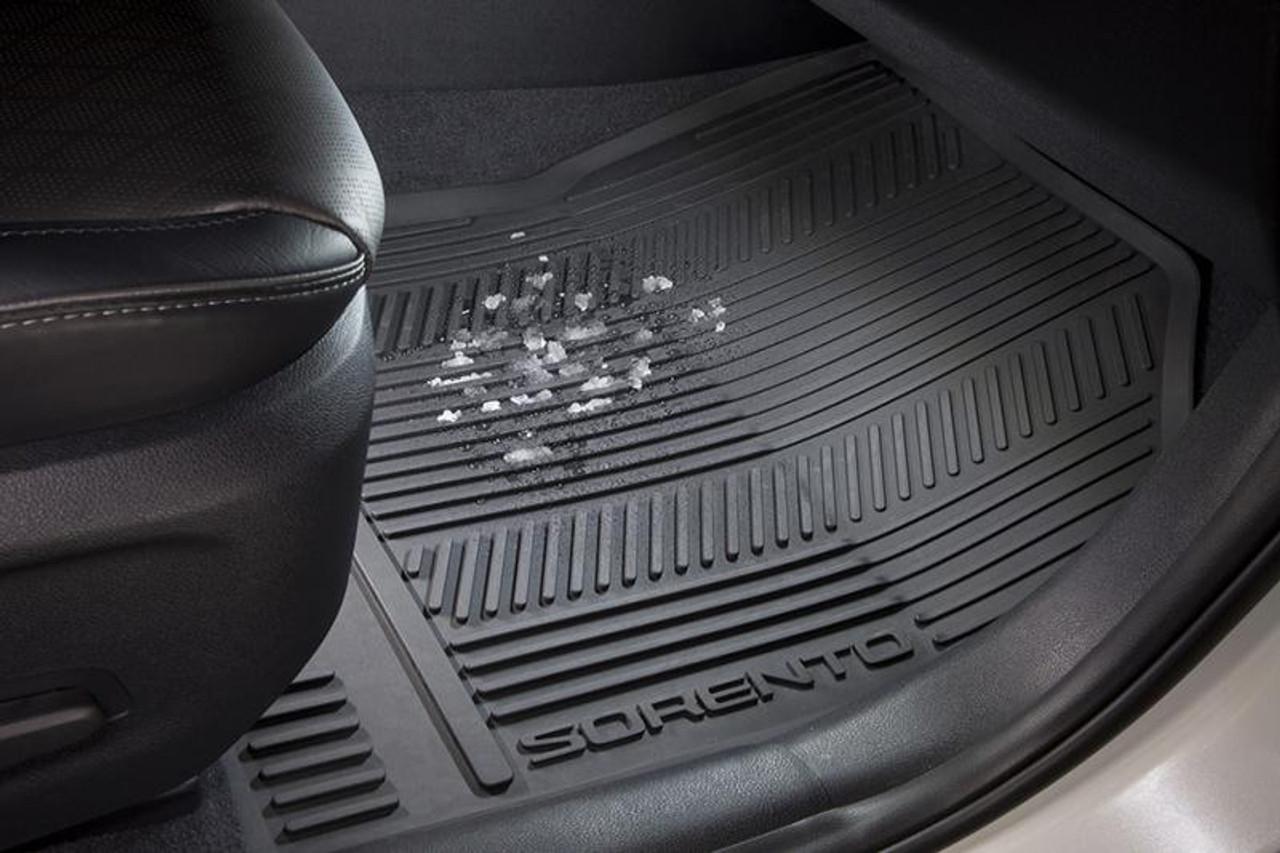 2016-2020 Kia Sorento Rubber Floor Mats - In Vehicle