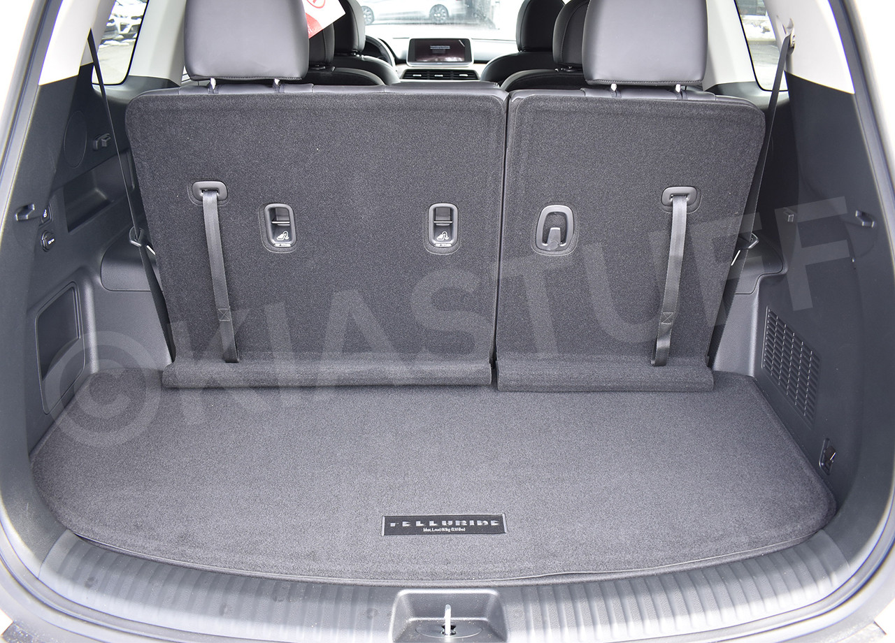 2020-2021 Kia Telluride Carpeted Cargo Mat With Seat Back Protection