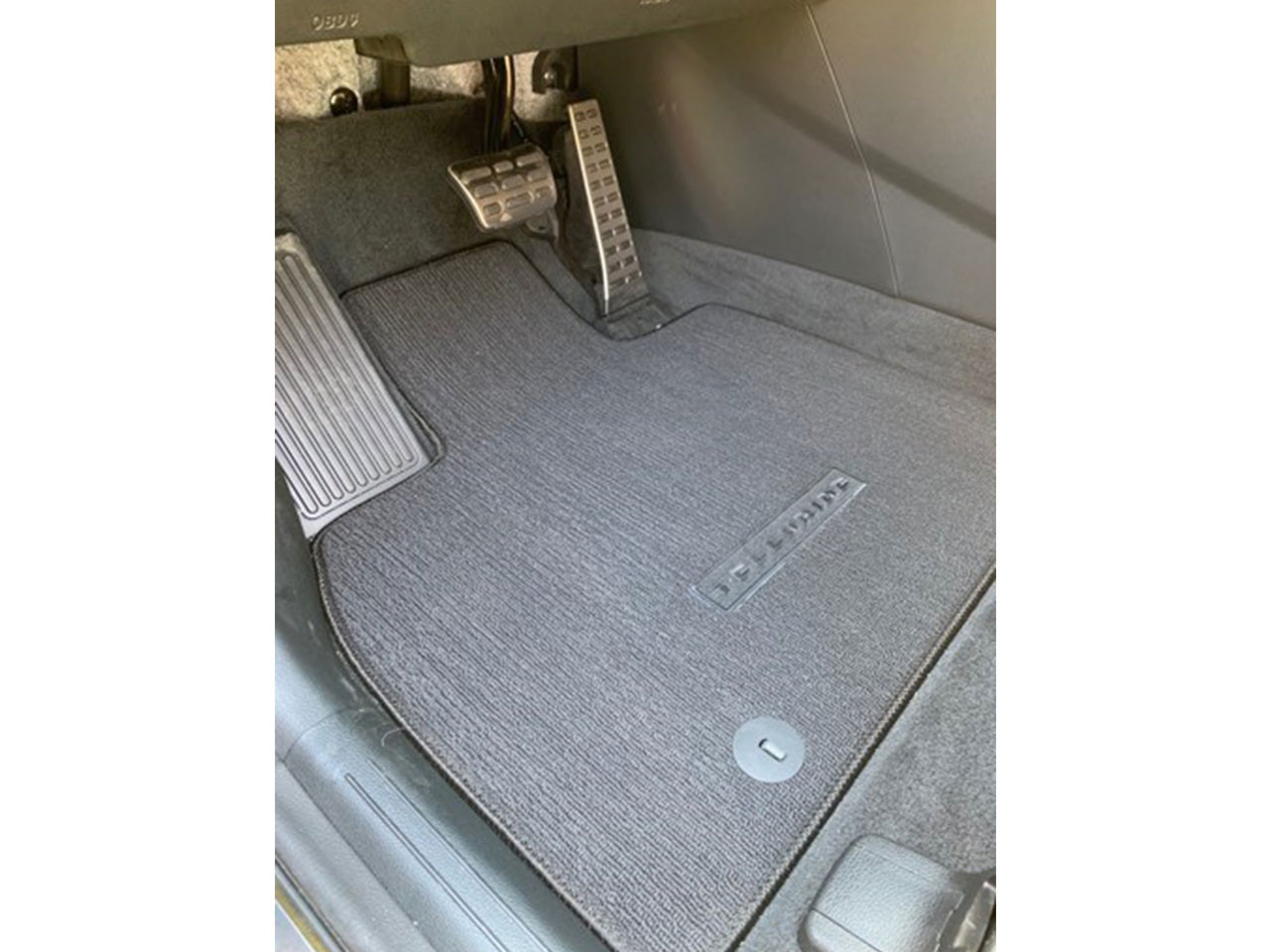 2020 Kia Telluride Carpeted Floor Mats, Black