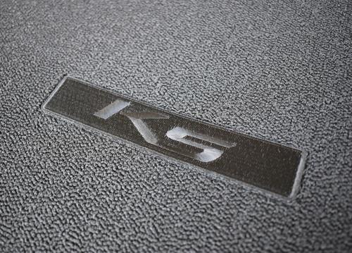 2021-2022 Kia K5 Carpet Cargo Mat (Close Up of K5 Logo)