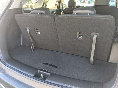 2021-2022 Kia Sorento Carpeted Cargo Mat With Seat Back Protection