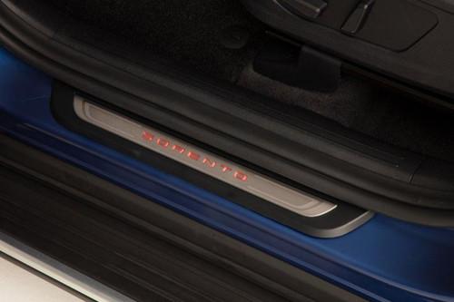 2021-2022 Kia Sorento Illuminated Door Sill Plates