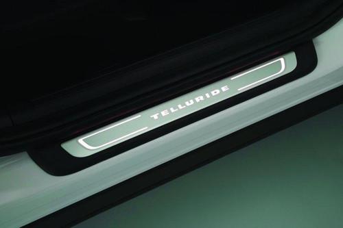 2020-2022 Kia Telluride Illuminated Door Sill Plates