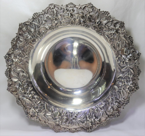 Kirk Stieff Repousse Scalloped Round Open Vegetable Bowl - Small ding