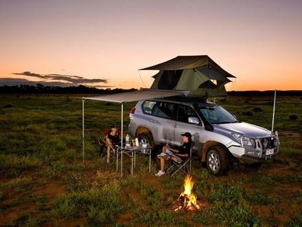 tjm-yulara-roof-top-tent-tjm-australia-4x4-accessories-4x4-roof-top-tents-australia-s-290901777d0b0e9b.jpg