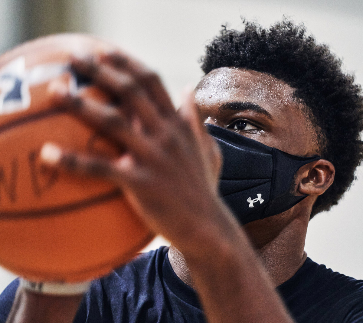 ua-sports-mask-des-2.jpg