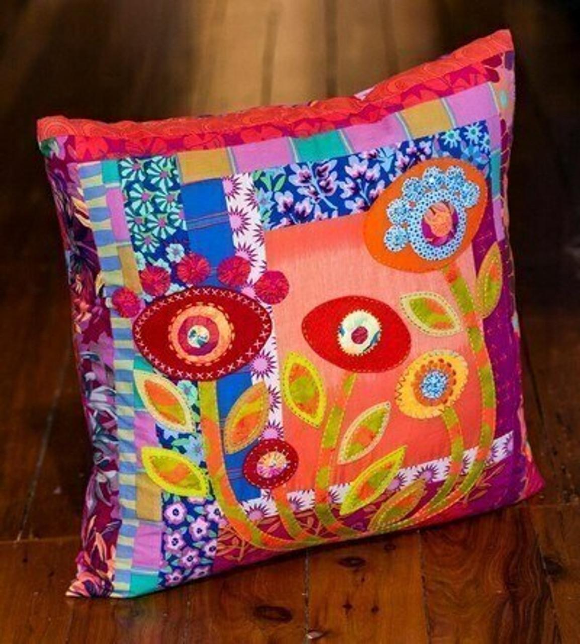 Wendy Williams : Twilight Cushion