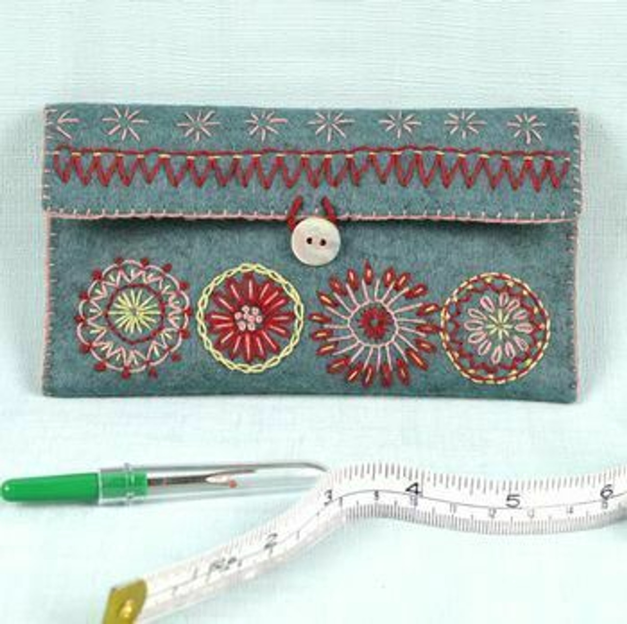 Corinne Lapierre Sewing Pouch Felt Embroidery Kit
