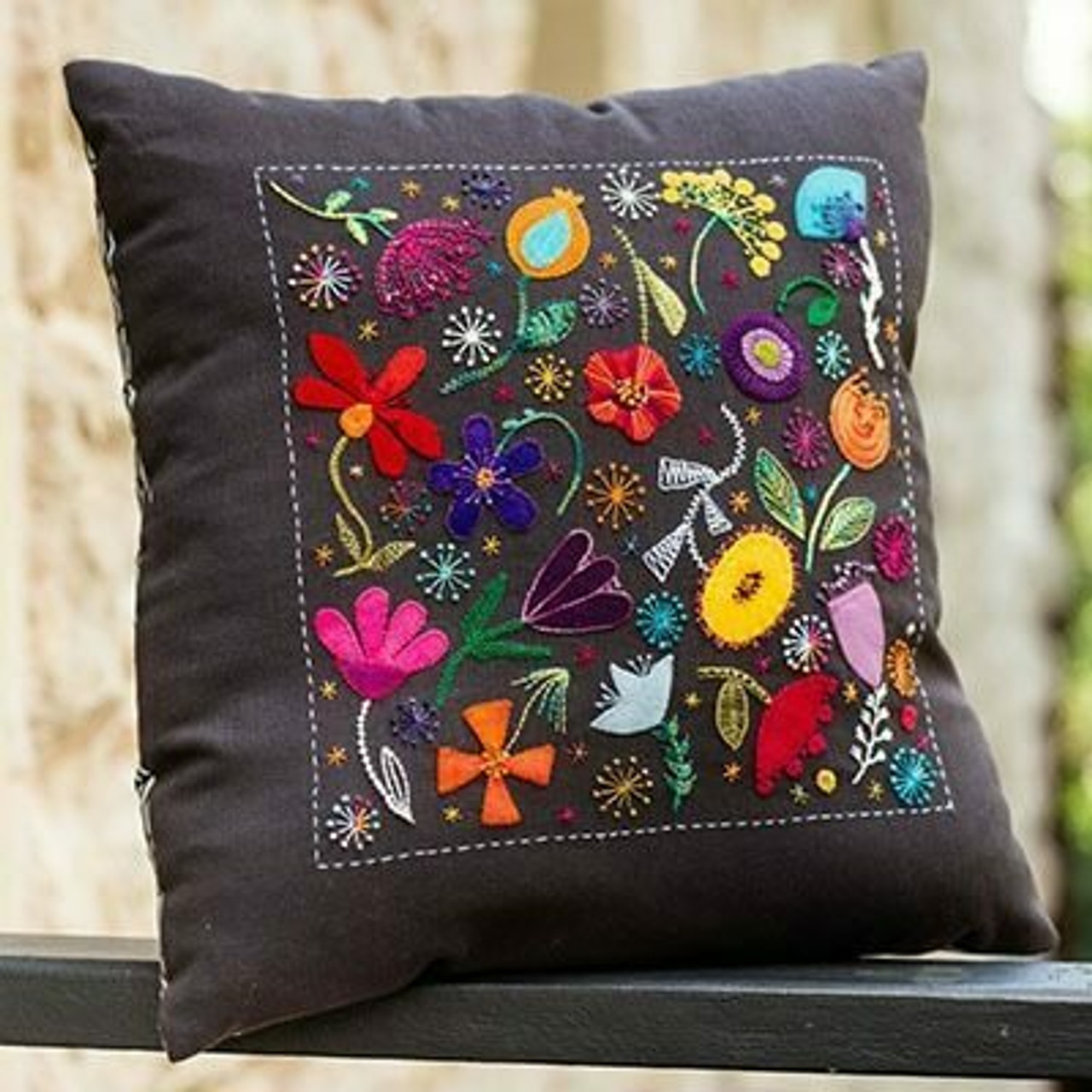 Wendy Williams : Scattered Flowers Cushion