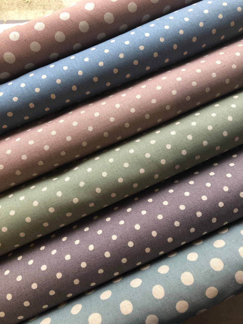 Linen Dot - Small on Blue