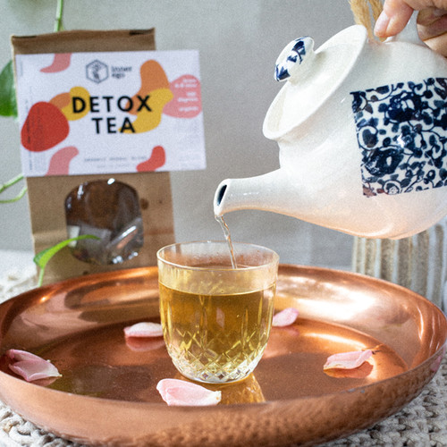This tea will aid the detox process using herbs such as Calendula, Lemongrass and Licorice Root. We also add Rose as it is great at reducing inflammation + making your skin glow.