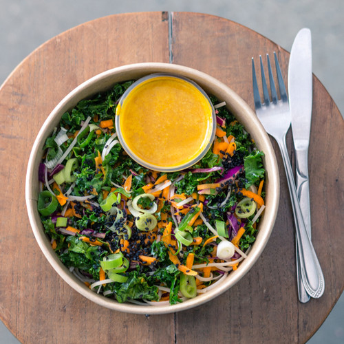 A fresh and fragrant salad combining seaweed noodles, carrot, red cabbage and we finish with a  sprinkle with basil and black sesame. The secret to our miso sauce is fresh orange and lemon juice, to give it a special ZING!