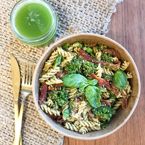 This meal is a combo of high protein chickpea pasta spirals and sundried tomato, with a house made fragrant basil pesto. We add hemp seeds to our pesto which are high essential fatty acids: Omega 3 and Omega 6.  This meal also has broccoli for extra greens. A filling salad which can be eaten as is or gently heated for a weeknight dinner.