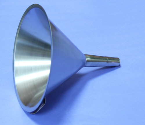 FUNNEL 304 STAINLESS STEEL 200 mm DIAMETER QTY 3 Description Stainless Funnel Material of Construction: 304 stainless steel Surface Finish: Better than 0.5 microns Ra Top Diameter: 200mm Outer Diameter of Spout: 20mm Overall Length: 205mm Nominal Spout Length: 88mm Nominal Weight: 245g Side Handle: Spot welded to cone section of funnel