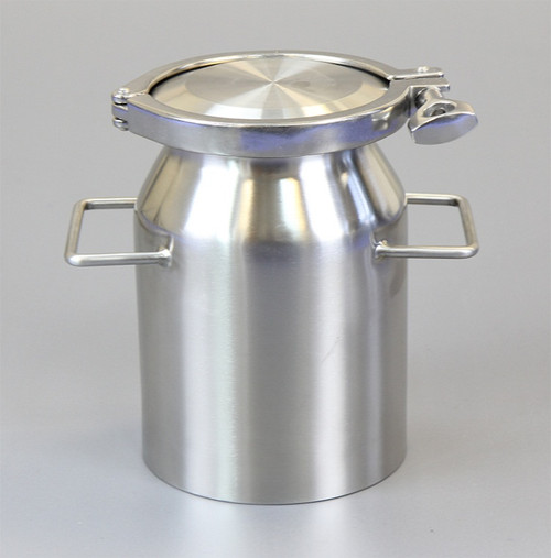 """Description Clamp Container 2L Nominal Volume: 2000ml Material of Construction: Body: 316 stainless steel Side Handles: 304 stainless steel Lid: 316 stainless steel Clamp: 316 stainless steel (may be 304 stainless steel) Gasket: Silicone (conforms to FDA CFR 177.2600) Method of Construction: Crevice free body, welds ground & polished Surface Finish: Better than 0.5 microns Ra Overall Height: 192mm Body Height: 185mm Body Diameter: 132mm Nominal Weight (body, lid, clamp & gasket): 2.6 Kg Note: The neck of the container is fitted with a 4"""" diameter ferrule which conforms to BS4825-3"""
