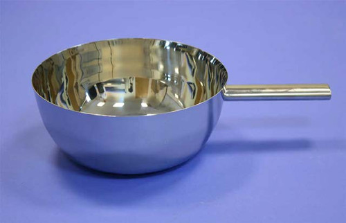 Nominal Volume: 4000ml Material of Construction: 316L stainless steel Method of Construction:  Crevice free, all welds ground and polished Surface Finish:               Better than 0.5 microns Ra Handle Length:              145mm Max. Bowl Diameter:      270mm Bowl Height:                  115mm Nominal Weight:             1010g BSE/TSE statement:        All polishing compounds used in the  manufacture of this scoop are of vegetable origin
