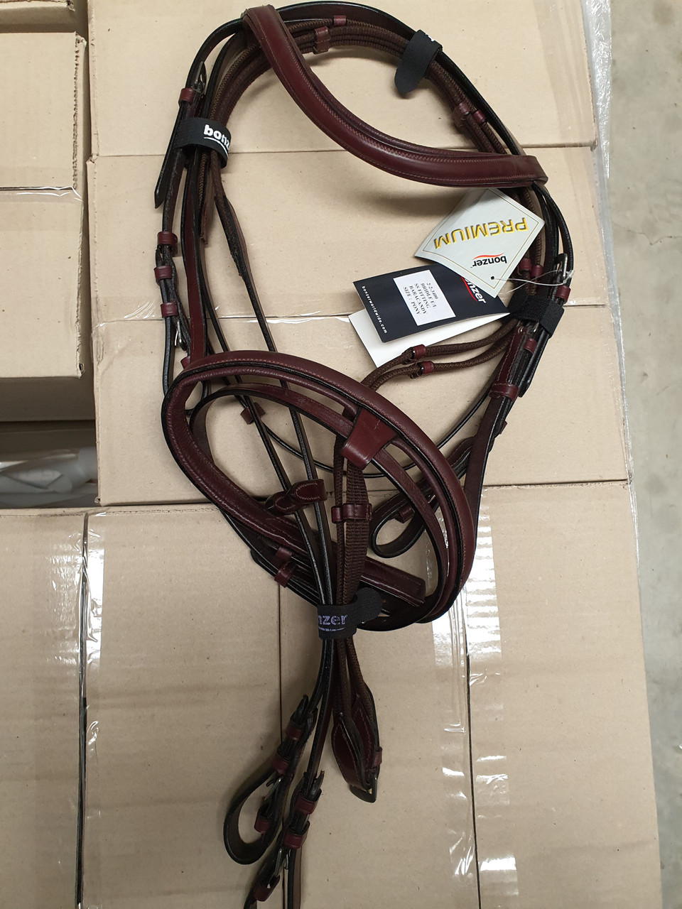 Bonzer Bridle E/L Stainless Steel Fitting Baracandy with reins