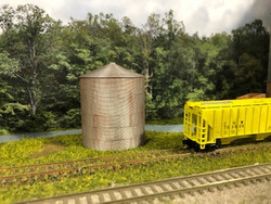 Lombard Hobbies Exclusive - N Scale Grain Bin - Assembled