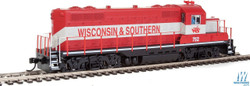 Walthers Mainline HO 910-10412 EMD GP9 Phase II with Chopped Nose Locomotive with Standard DC Wisconsin & Southern WSOR #752