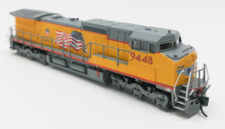 Atlas Master N 50000910 Golden Spike Club DASH 8-41C DCC Ready Union Pacific Red Sill - Building America with Flag Scheme UP #9448