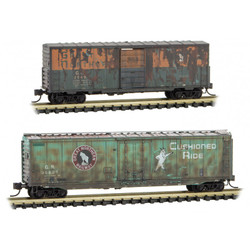 Micro Trains Line 993 05 760 40' Standard Single Door Box Car & 50' Standard Single door Box Car - Weathered - Great Northern GN #2549 & 36809 - 2 Pack