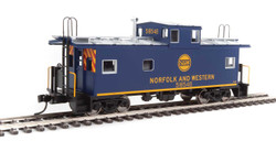 Walthers Mainline HO 910-8757 International Wide-Vision Caboose Norfolk & Western N&W #518546