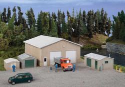 Walthers Cornerstone HO 933-4125 Pole Barn & Sheds - Kit