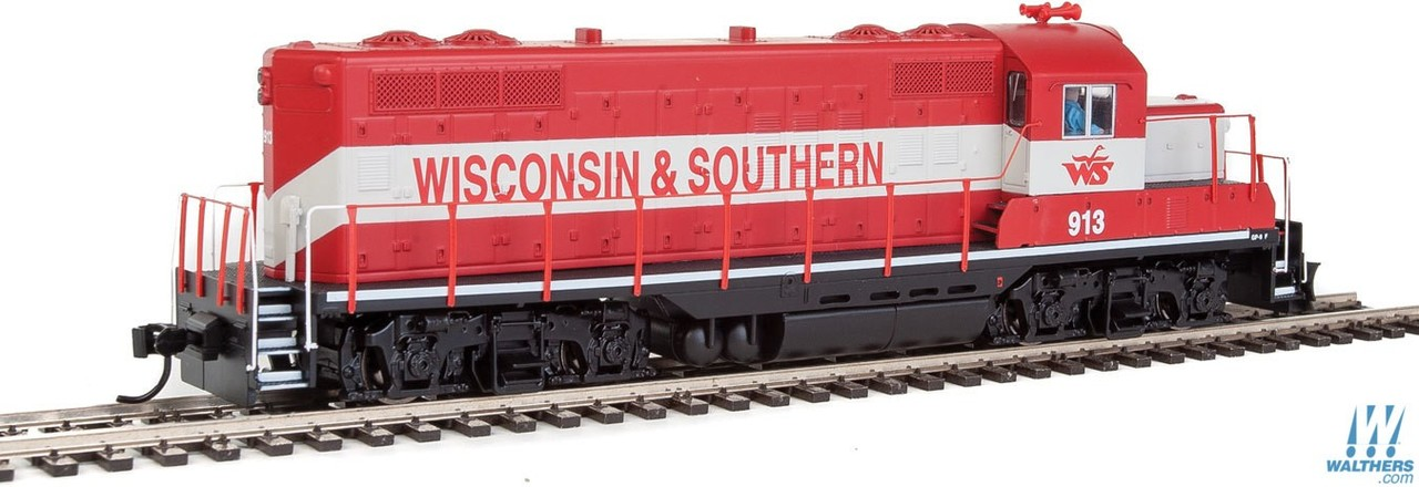 Walthers Mainline HO 910-10413 EMD GP9 Phase II with Chopped Nose Locomotive with Standard DC Wisconsin & Southern WSOR #913