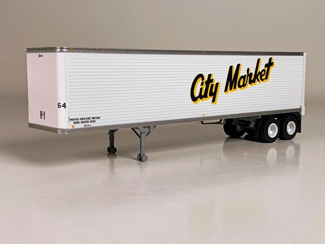 Trainworx HO 80257-02 40' Corrugated Reefer Trailer City Market #64